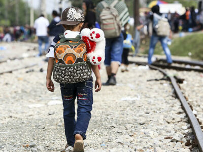 Child-migrant-shutterstock_870x479